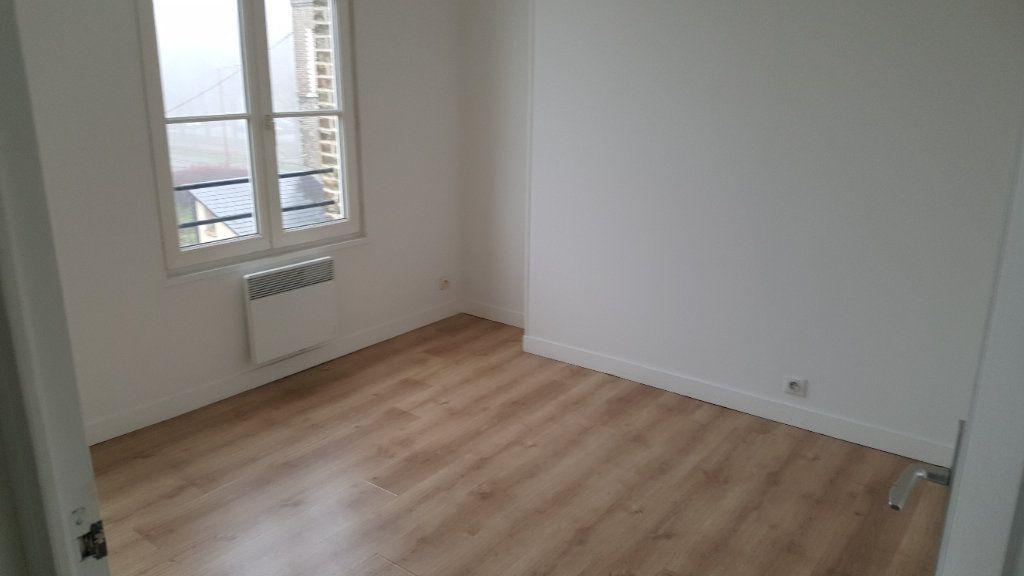 Appartement à louer 4 72m2 à Elbeuf vignette-3