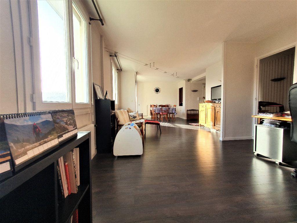 Appartement à vendre 5 97.36m2 à Rouen vignette-1