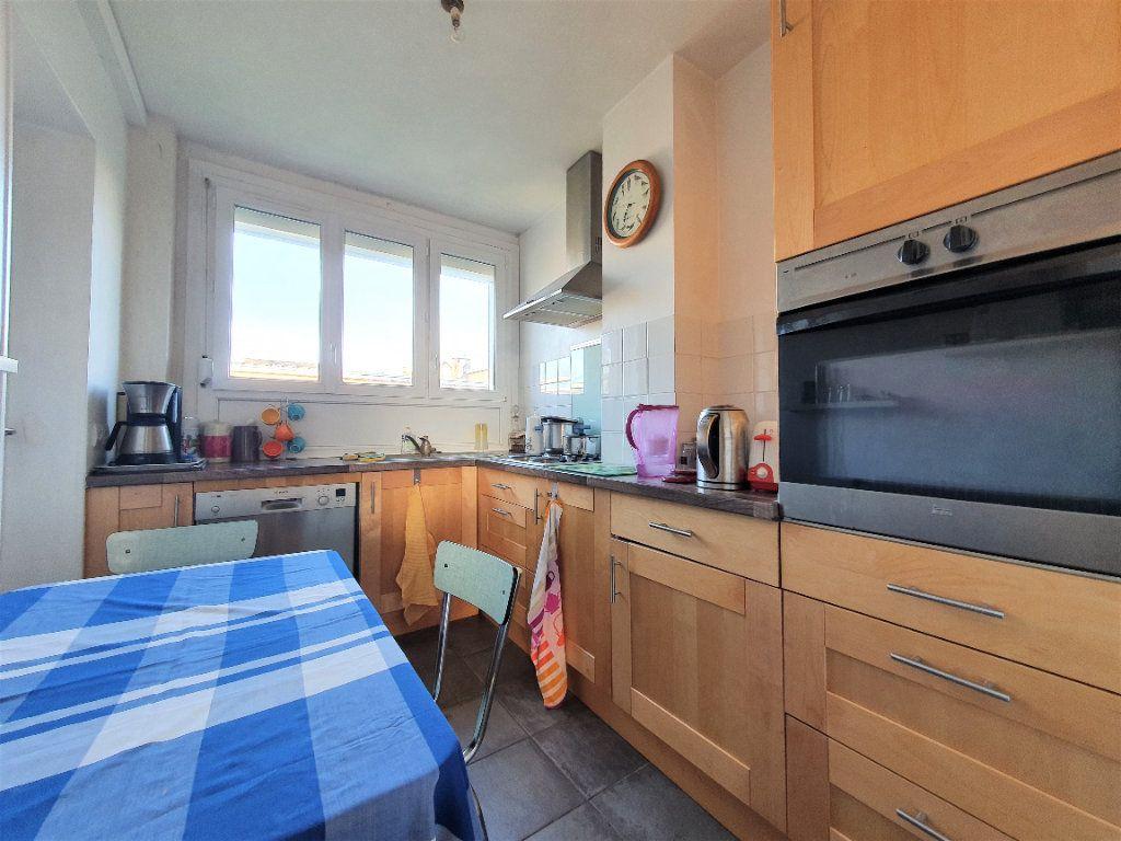Appartement à vendre 5 97.36m2 à Rouen vignette-3