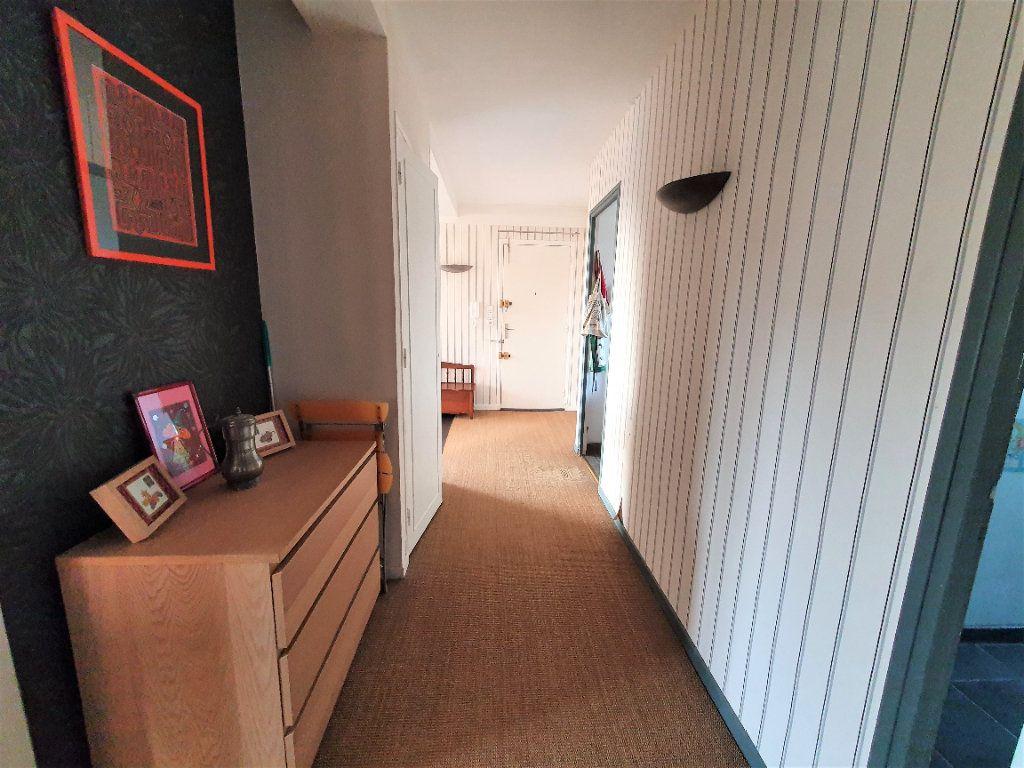 Appartement à vendre 5 97.36m2 à Rouen vignette-4