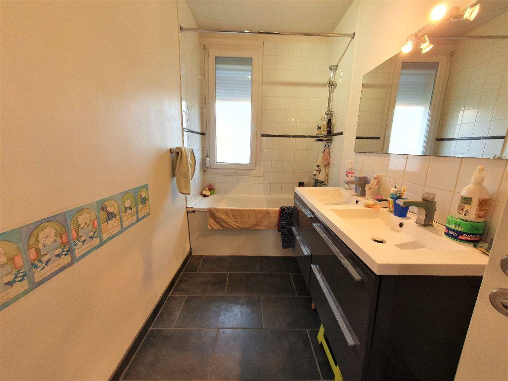 Appartement à vendre 5 97.36m2 à Rouen vignette-5