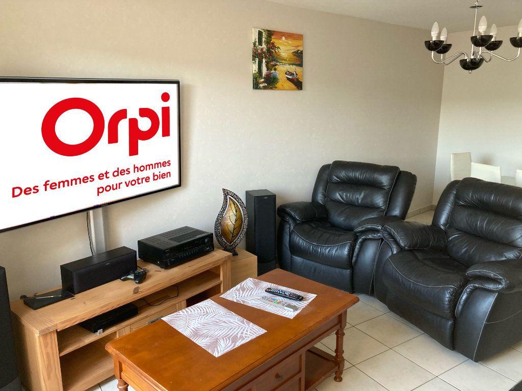 Appartement à vendre 4 72m2 à Saint-Aubin-lès-Elbeuf vignette-3