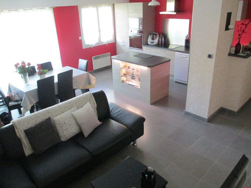 Appartement à louer 3 72.87m2 à Bihorel vignette-2