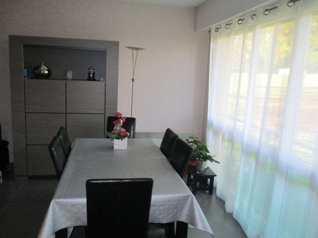 Appartement à louer 3 72.87m2 à Bihorel vignette-4