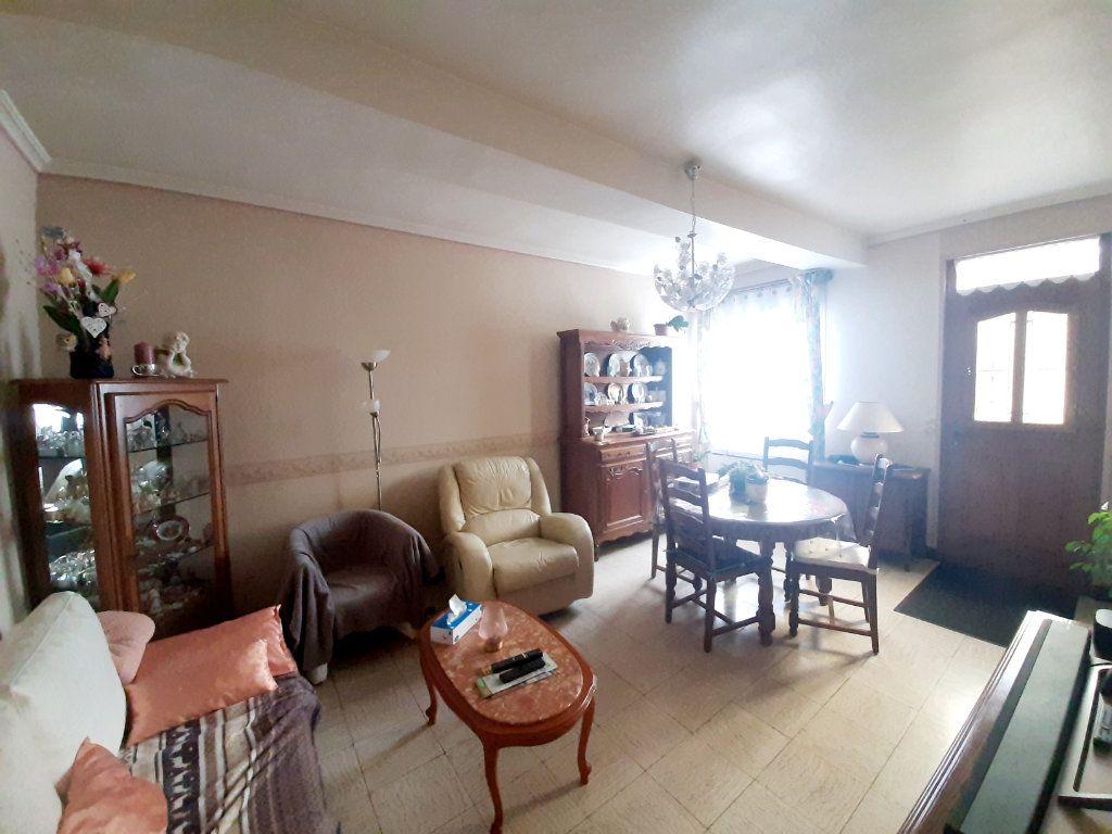 Maison à vendre 3 69.8m2 à Saint-Léger-du-Bourg-Denis vignette-4