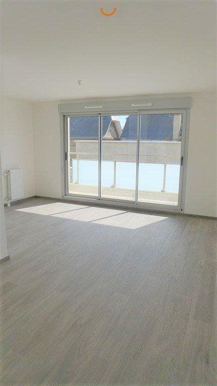 Appartement à louer 3 64.98m2 à Le Petit-Quevilly vignette-1