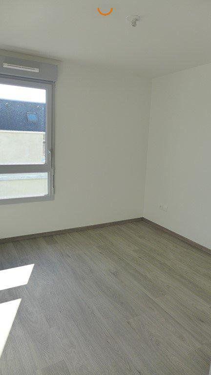 Appartement à louer 3 64.98m2 à Le Petit-Quevilly vignette-4