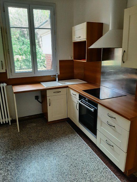 Appartement à louer 5 82.36m2 à Rouen vignette-4
