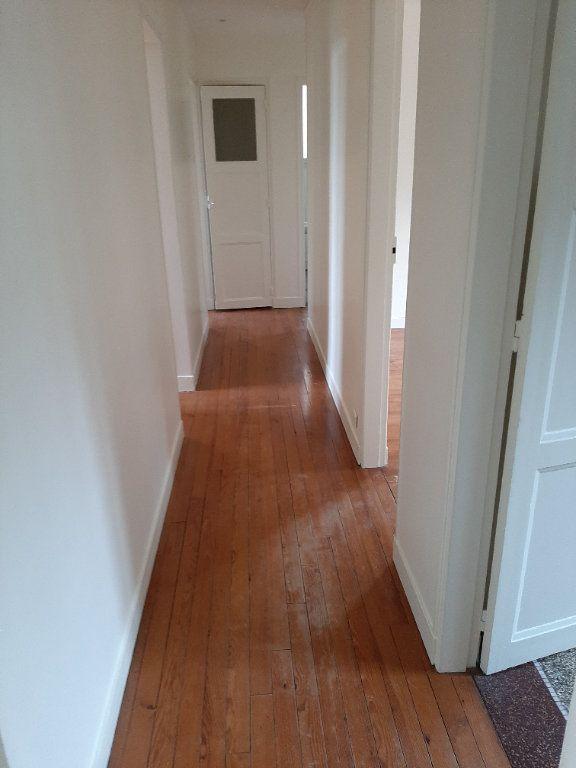 Appartement à louer 5 82.36m2 à Rouen vignette-5