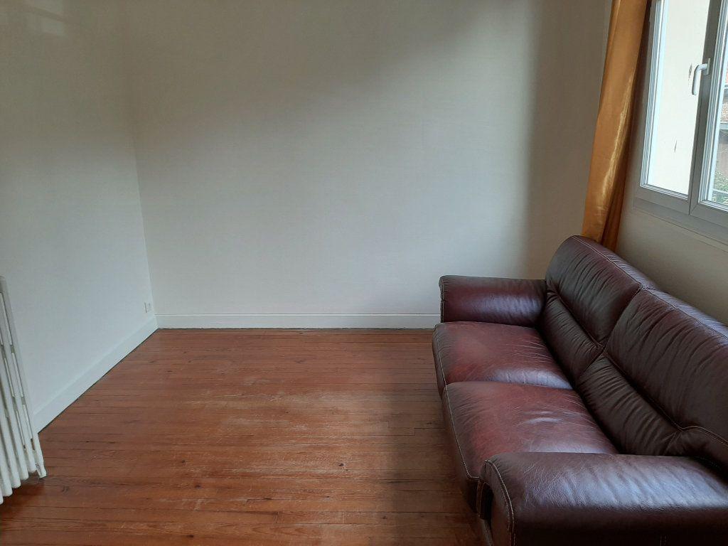 Appartement à louer 5 82.36m2 à Rouen vignette-6