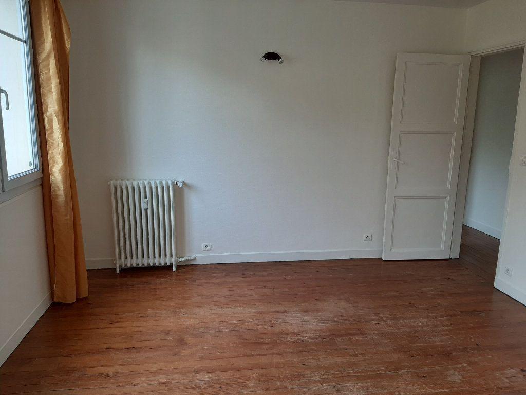 Appartement à louer 5 82.36m2 à Rouen vignette-9