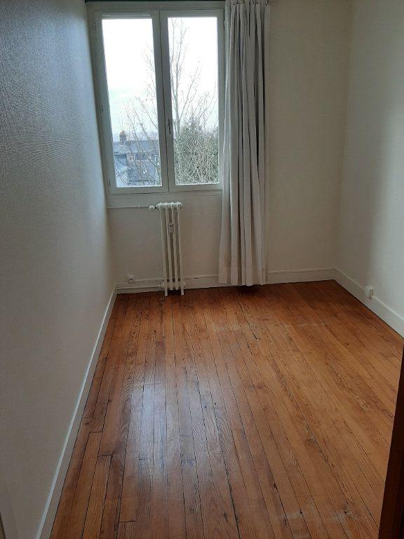 Appartement à louer 5 82.36m2 à Rouen vignette-10