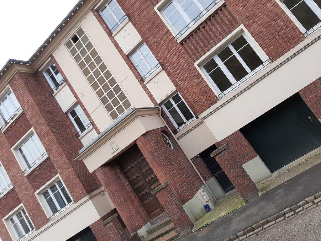 Appartement à louer 5 82.36m2 à Rouen vignette-13