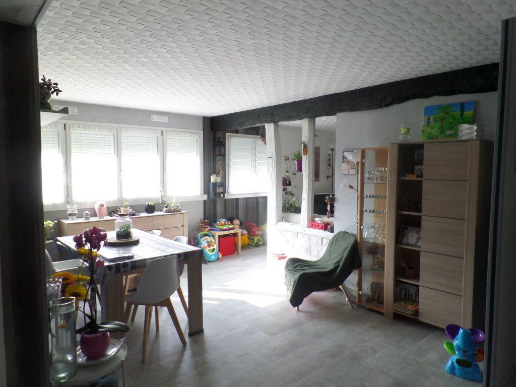 Appartement à vendre 5 93.61m2 à Caudebec-lès-Elbeuf vignette-1