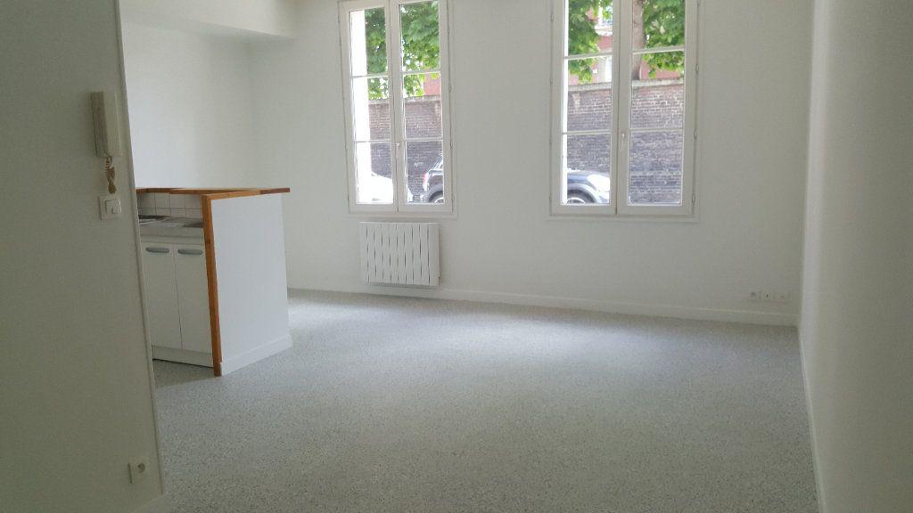 Appartement à louer 1 35m2 à Elbeuf vignette-1