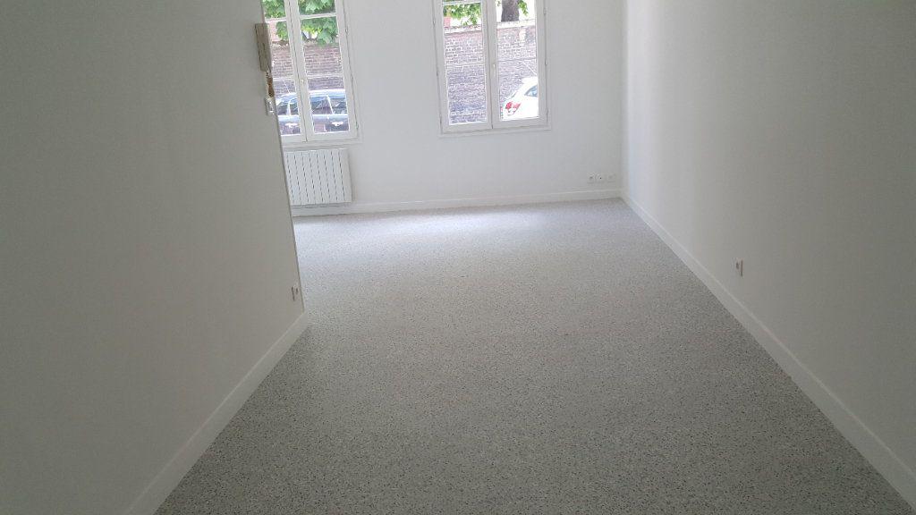 Appartement à louer 1 35m2 à Elbeuf vignette-3