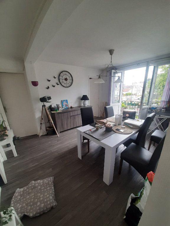 Appartement à louer 4 70m2 à Sotteville-lès-Rouen vignette-2