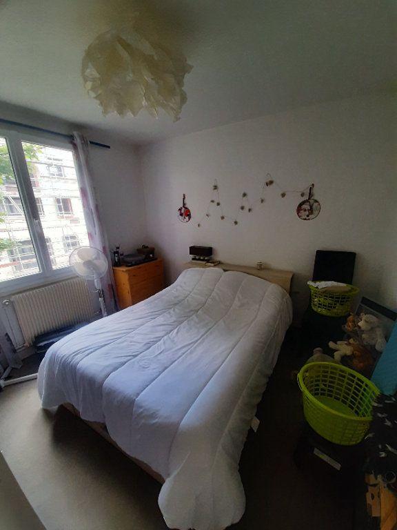 Appartement à louer 4 70m2 à Sotteville-lès-Rouen vignette-6