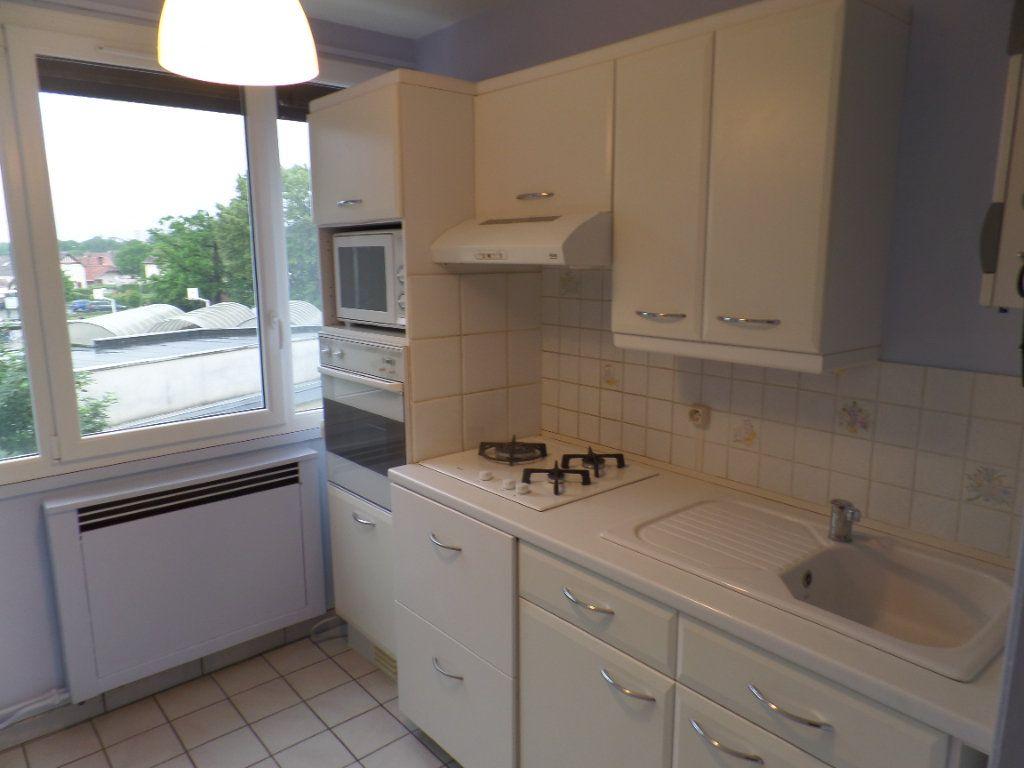 Appartement à vendre 3 56.09m2 à Saint-Aubin-lès-Elbeuf vignette-3