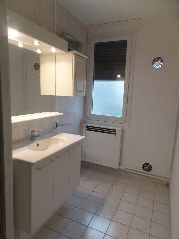 Appartement à vendre 3 56.09m2 à Saint-Aubin-lès-Elbeuf vignette-6