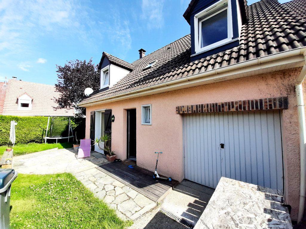 Maison à louer 5 100m2 à Grand-Couronne vignette-1