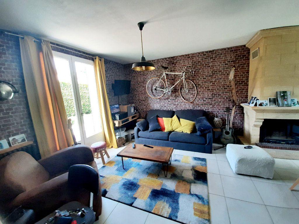 Maison à louer 5 100m2 à Grand-Couronne vignette-3