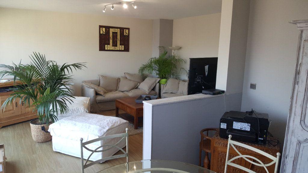 Appartement à louer 4 82.74m2 à Elbeuf vignette-2