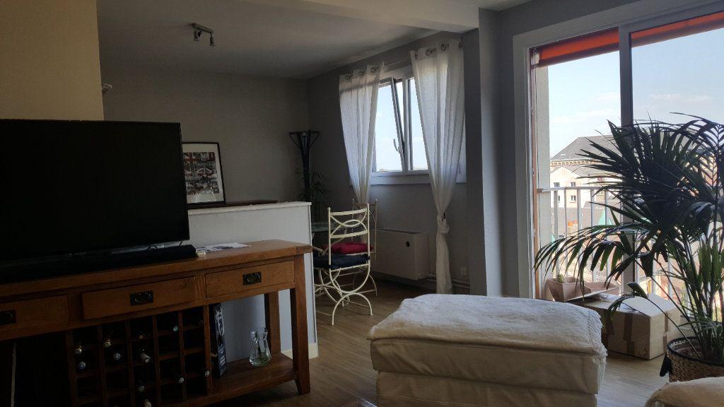 Appartement à louer 4 82.74m2 à Elbeuf vignette-4