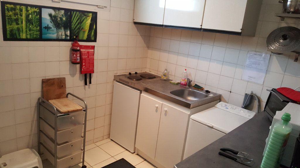 Appartement à louer 1 24m2 à Elbeuf vignette-4