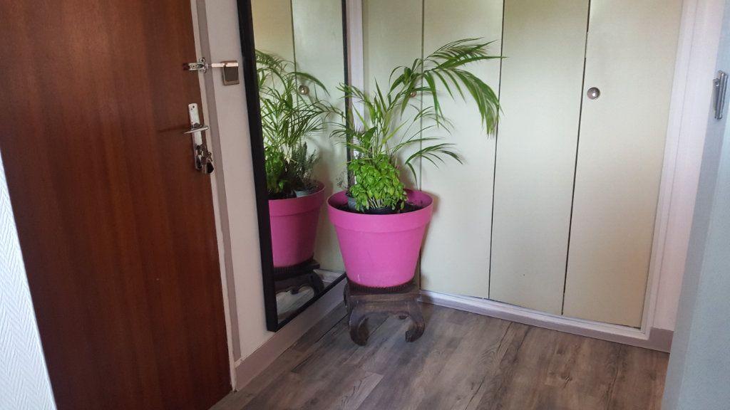 Appartement à louer 4 82.74m2 à Elbeuf vignette-7