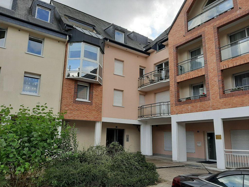 Appartement à louer 2 37.72m2 à Bois-Guillaume vignette-1