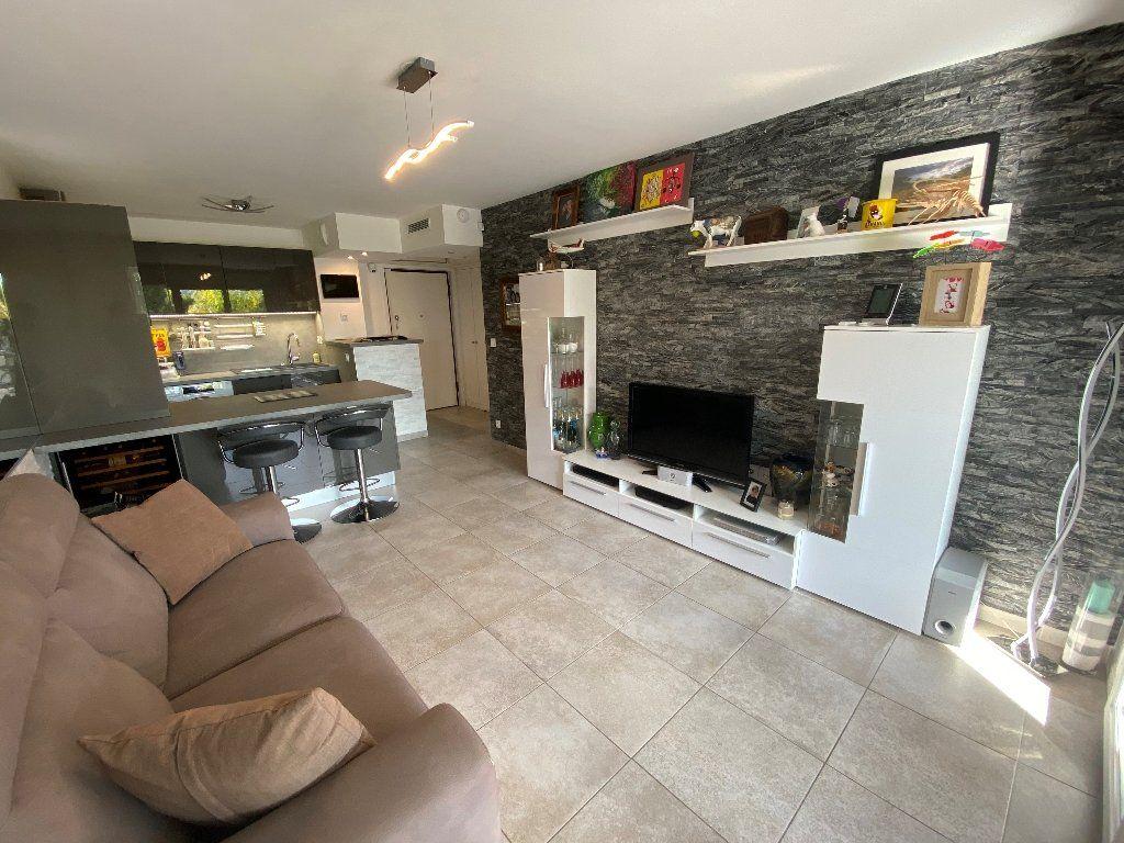 Appartement à vendre 2 42.2m2 à Antibes vignette-6
