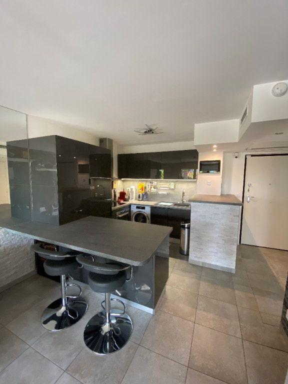 Appartement à vendre 2 42.2m2 à Antibes vignette-8