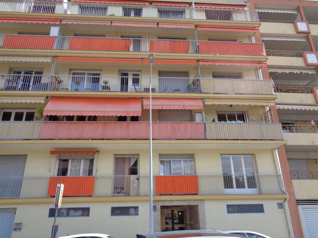 Appartement à vendre 2 54.85m2 à Cagnes-sur-Mer vignette-2