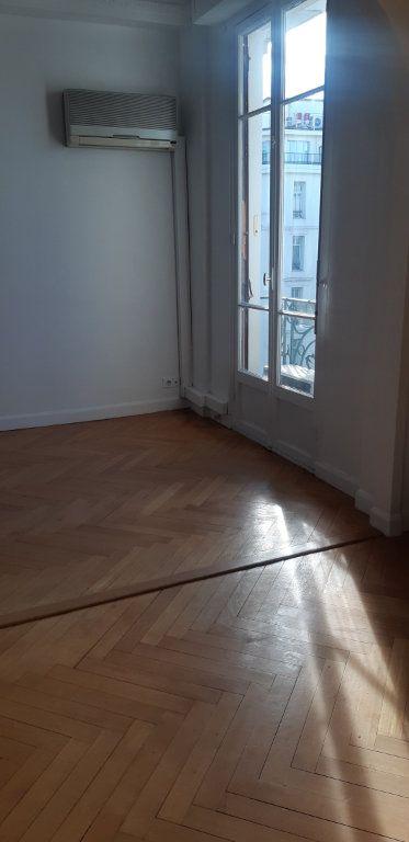 Appartement à louer 2 51m2 à Nice vignette-1
