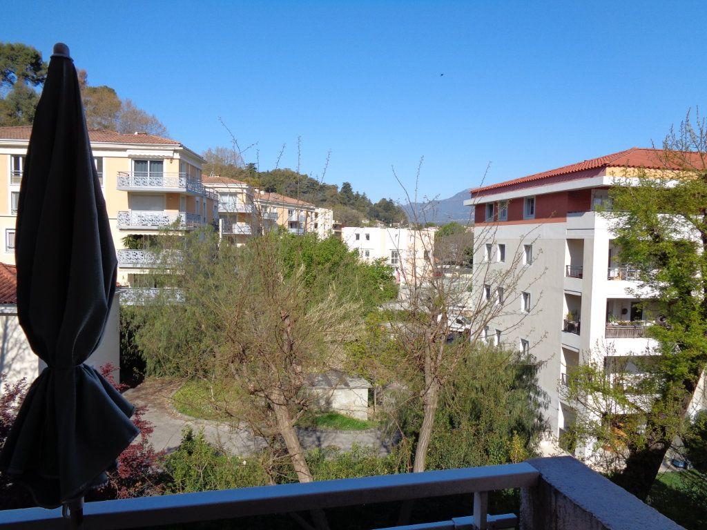Appartement à vendre 2 26m2 à Cagnes-sur-Mer vignette-2