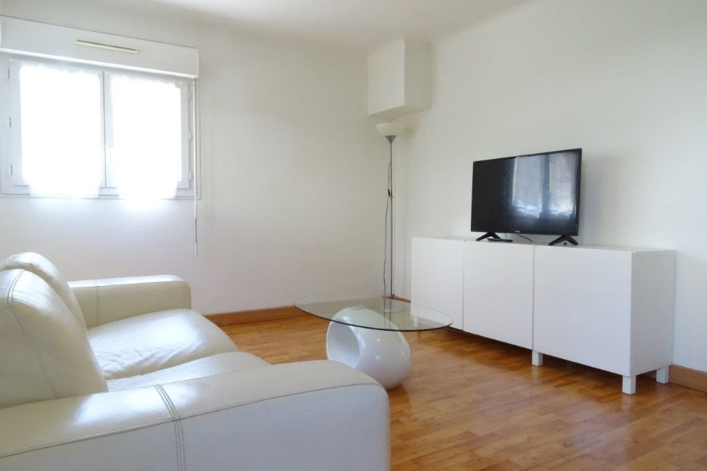 Appartement à louer 2 43.4m2 à Nice vignette-1