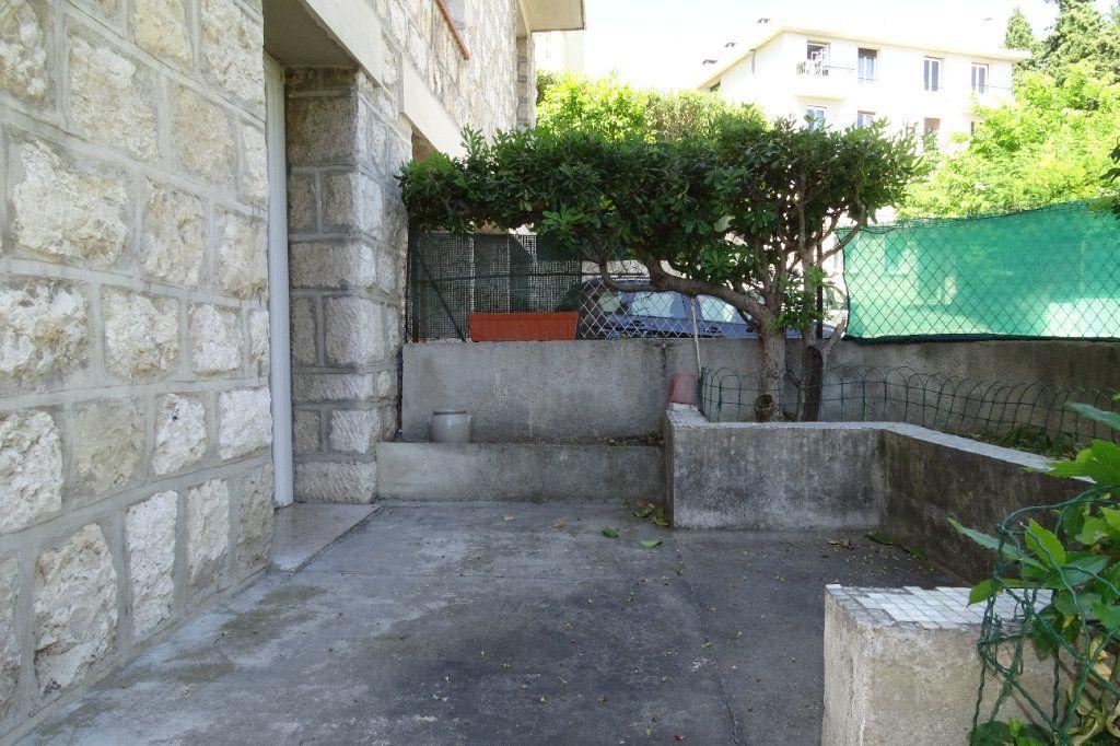 Appartement à louer 2 43.4m2 à Nice vignette-2