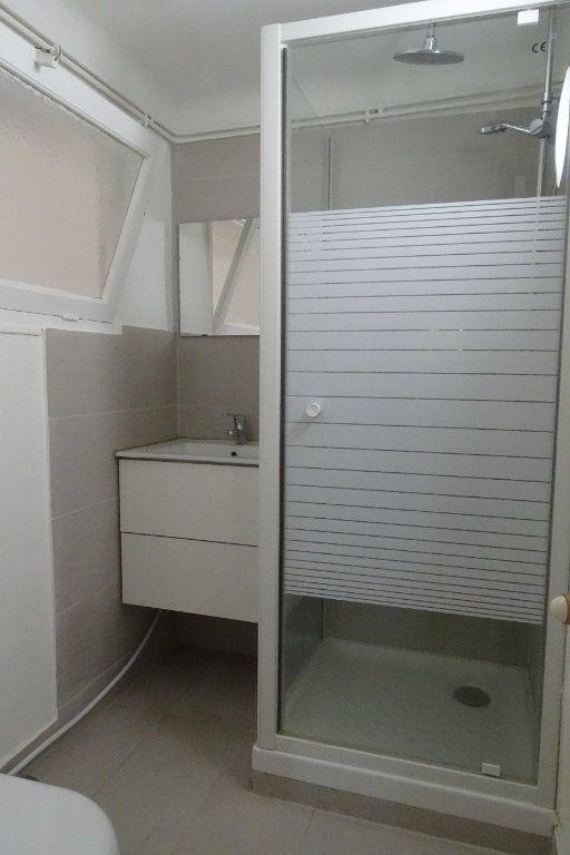 Appartement à louer 2 43.4m2 à Nice vignette-7