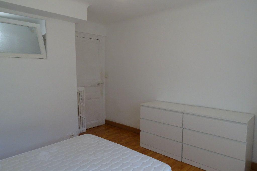 Appartement à louer 2 43.4m2 à Nice vignette-8