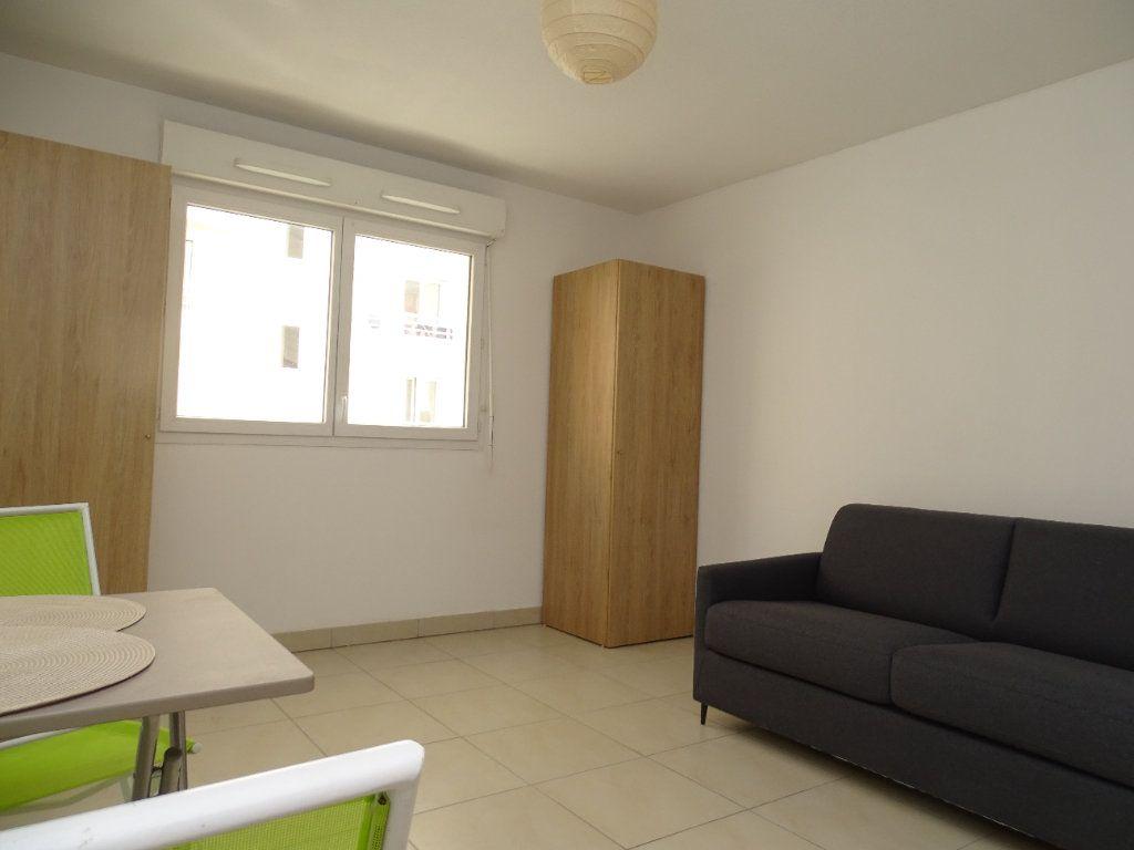 Appartement à louer 1 25.14m2 à Nice vignette-2