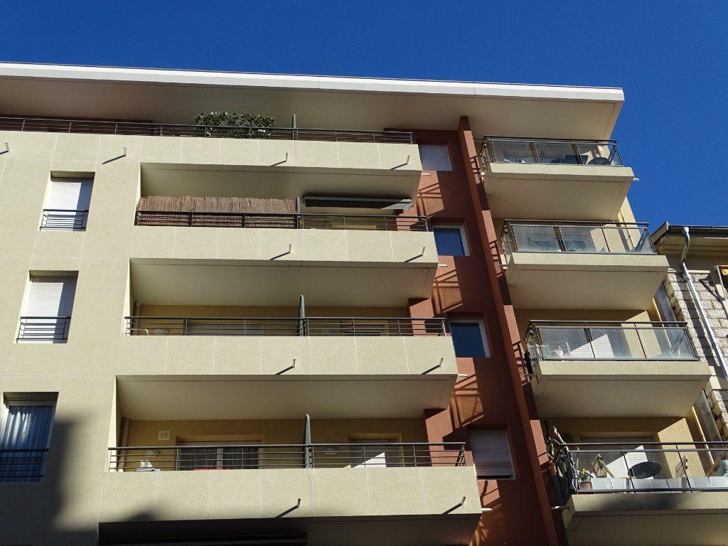 Appartement à louer 1 25.14m2 à Nice vignette-3
