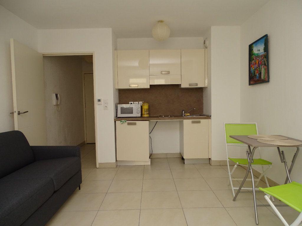 Appartement à louer 1 25.14m2 à Nice vignette-4