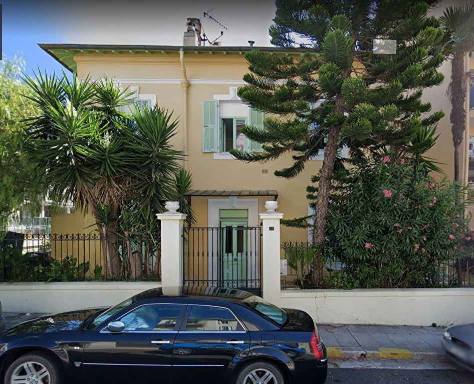 Appartement à louer 1 14m2 à Nice vignette-1
