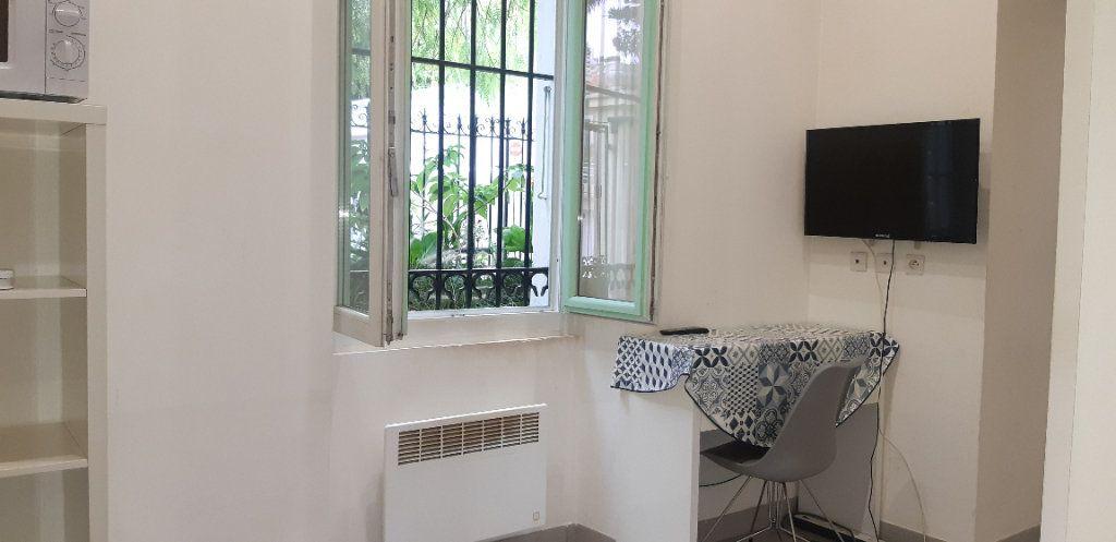 Appartement à louer 1 14m2 à Nice vignette-3
