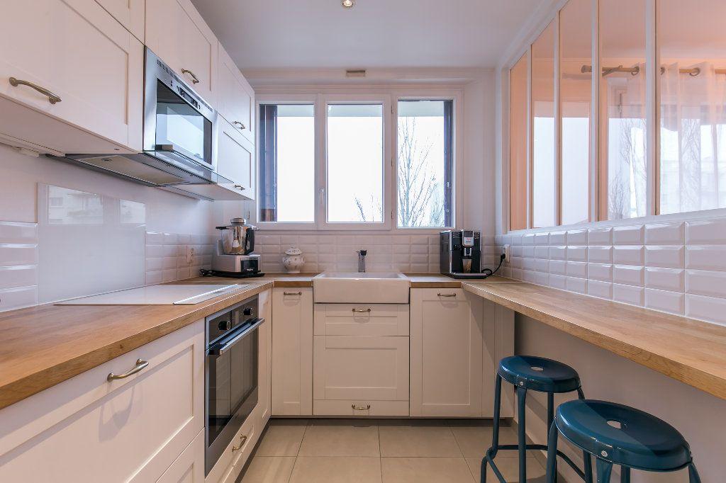 Appartement à vendre 3 62m2 à La Varenne - Saint-Maur-des-Fossés vignette-2