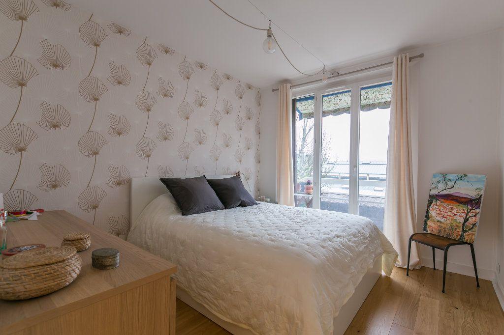 Appartement à vendre 3 62m2 à La Varenne - Saint-Maur-des-Fossés vignette-3