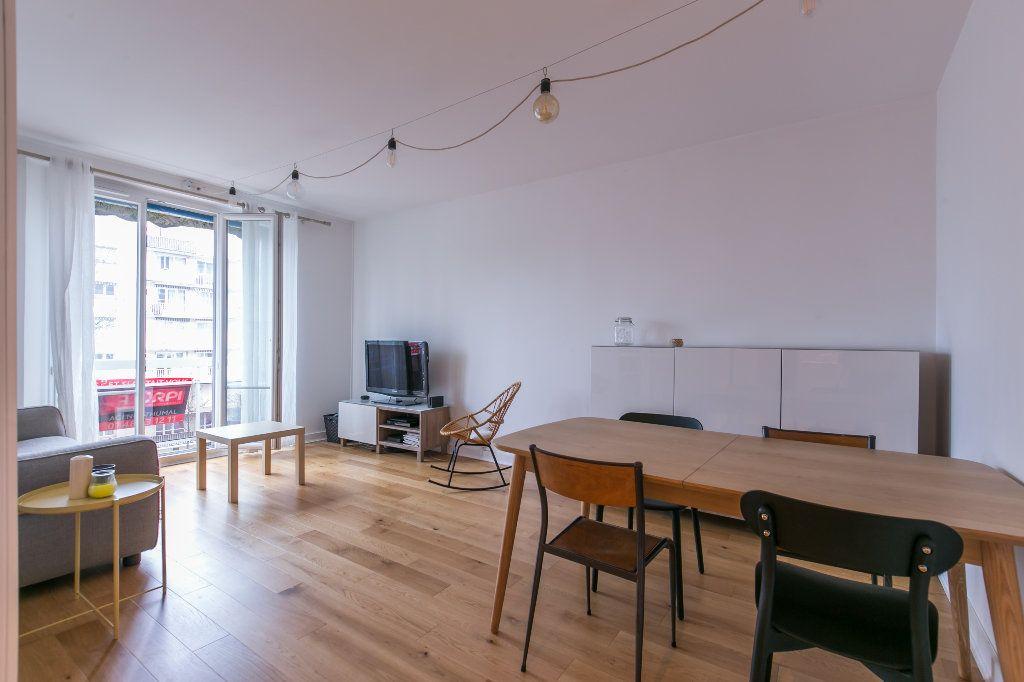 Appartement à vendre 3 62m2 à La Varenne - Saint-Maur-des-Fossés vignette-4