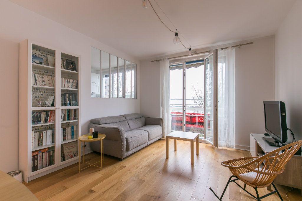 Appartement à vendre 3 62m2 à La Varenne - Saint-Maur-des-Fossés vignette-5