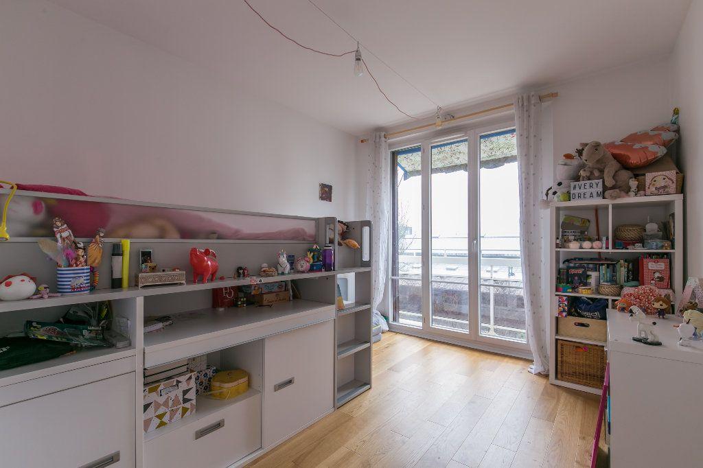 Appartement à vendre 3 62m2 à La Varenne - Saint-Maur-des-Fossés vignette-6